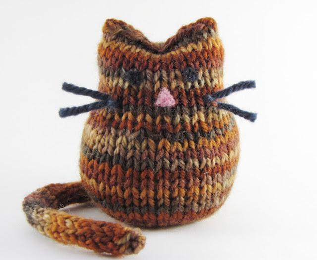 Knitting Patterns Tutorial : Cat Knitting Pattern and Tutorial - Natural Suburbia
