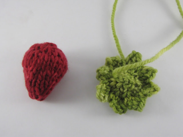 Knitting Pattern For Strawberry Hat : Strawberry Knitting Pattern and Yarn Along - Natural Suburbia