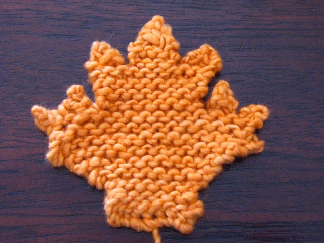 Maple Leaf Knitting Pattern : Maple Leaf Knitting Pattern - Natural Suburbia