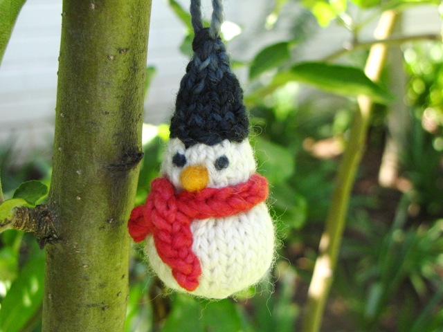 A Little Knitted Snowman Pattern For Christmas Natural Suburbia