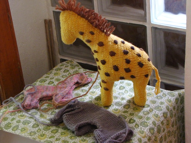 Knitting Pattern Giraffe : Happenings... - Natural Suburbia