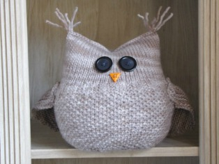 Cat knitting pattern and tutorial natural suburbia the guardian owl pattern dt1010fo