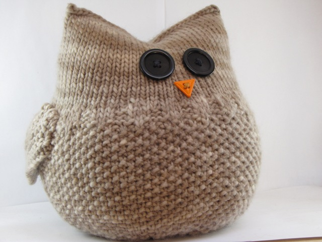 Free Knitting Pattern For Owl Sweater : Knitting an Owl - Natural Suburbia
