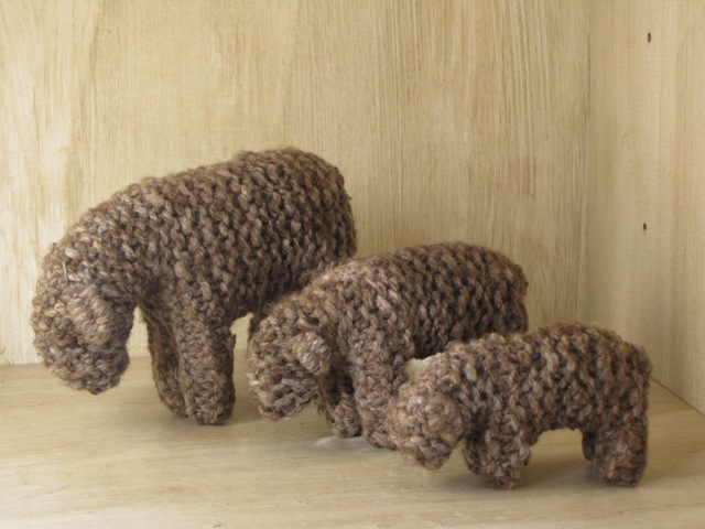 Knitted Family of Sheep