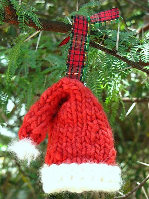 Santa_Hat_medium2