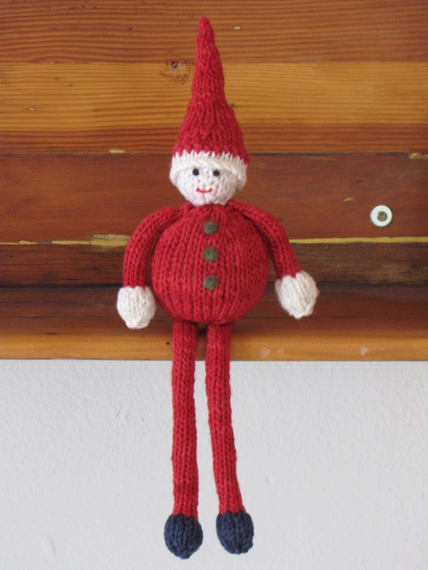 Knitted Elf Pattern : Knitting an Elf - Natural Suburbia